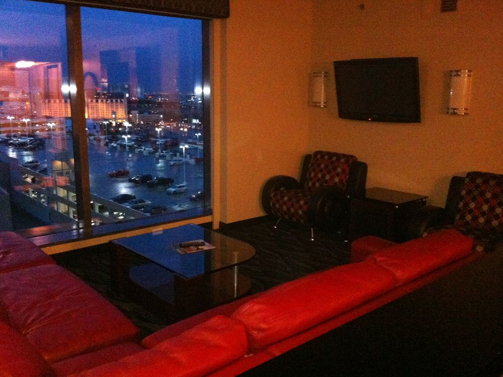 luxurious 2 bedroom suite on the strip las vegas nevada vacation