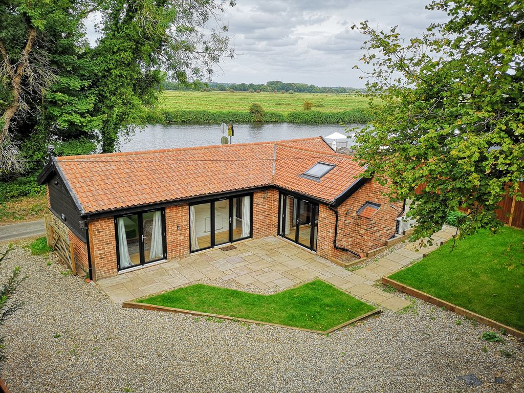 Newly Converted Barn In Stunning Riverside Homeaway