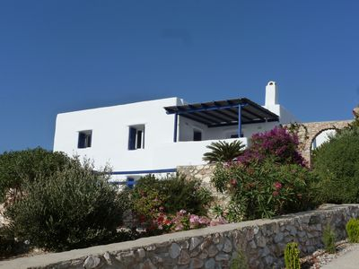 Photo for Cycladic Villa - Charming and quiet