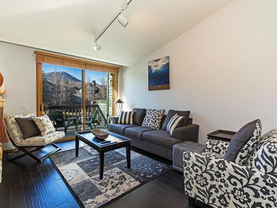 Photo for Mountain Luxury Modern Condo, Walk to Shuttle, Private Parking/BBQ on Balcony