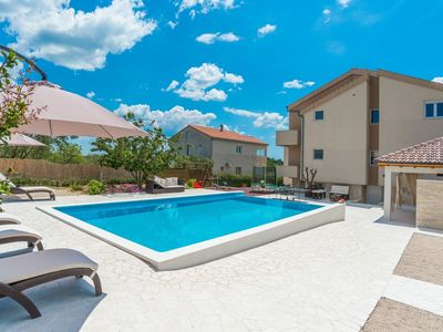 Photo for Lovely holiday home with private infinity pool, beautiful garden, terrace, BBQ