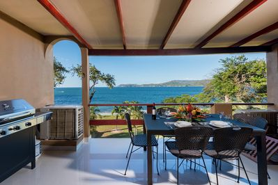 Amazing oceanfront views from Punta plata 617