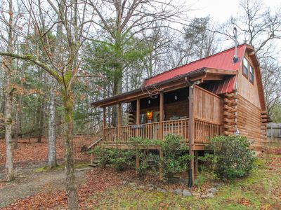 Photo for Cozy cabin with private hot tub perfect for getting away from it all!
