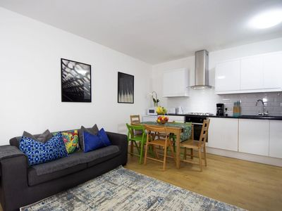 Photo for 2 BEDROOM FLAT PUTNEY