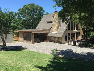 Family friendly lakehouse on lake texoma pe homeaway for Lake texoma cabins with hot tub