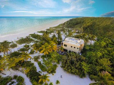 Photo for Villa front beach with 11 dependence bell tent, Tulum, Sian Kaan