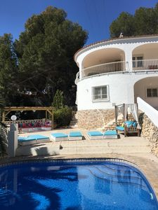 Photo for Discount Aug. Family villa for 10 p, sea view, swimming pool, privacy, near beach