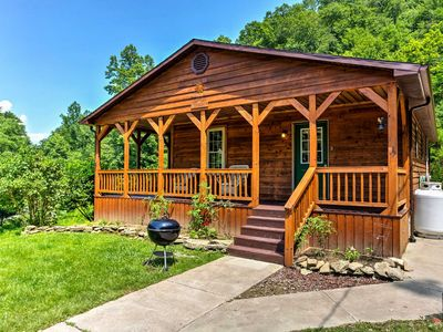 Hot Tub, WiFi, Pet-Friendly - Family Country Cabin - Sundance - 300 acres in Red River Gorge, KY!