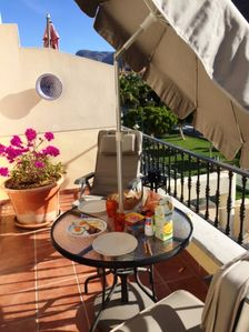Photo for Apartment with private roof terrace close to beach and shops in Puerto de Mogan.