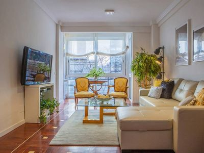 Photo for Gorgeous 4Bed 3Bath-2min to tube in Madrid Center
