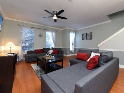 Photo for Contempo Condo tucked in central HTX-Sleeps 14