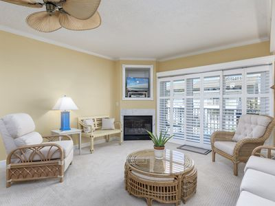 Photo for Beautiful condo with exquisite, resort decor and furnishings
