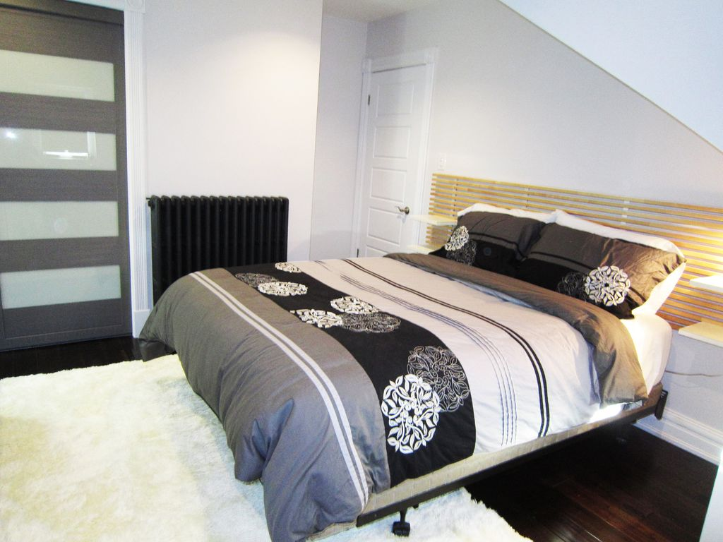 Modern Penthouse Designer style 1 BR Suite w/2 Balconies in Toronto Downtown