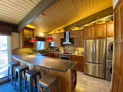 Brand New Kitchen, top of the line appliances