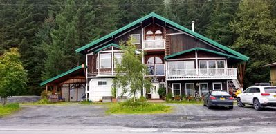 Photo for Chalet of Seward AK  suites A : mountain view (950 SF)
