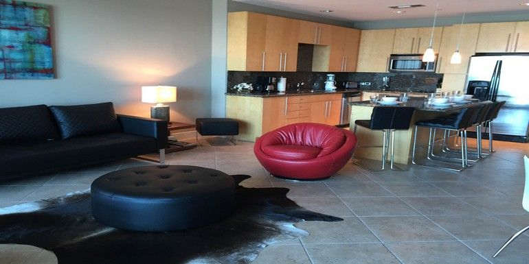 17th floor sapphire 39 s newest contemporary 2 vrbo for 17th floor concert schedule
