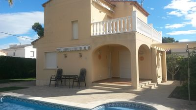Photo for Beautiful detached villa in private secure grounds with swimming pool