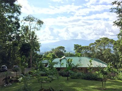 Photo for Elegant rainforest retreat, with loads of animals, beautiful views