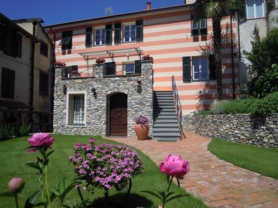 Photo for Sunny house with garden, 10 min Alassio beach and close to the golf courses