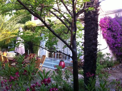 Photo for Large garden, 3 minutes from the beach, residential area of Sanary