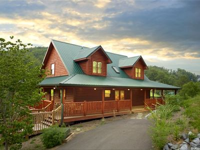 Photo for Fantastic Family Cabin 1 Mile from Dollywood ( Wi-Fi)