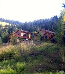 Photo for Luxury home in the heart of Vail Valley!