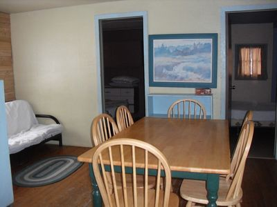 Cabin 7- 2 double and 2 single beds