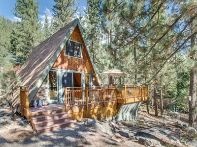 Photo for Romantic and cozy cabin near Donner Lake set among the towering pines!