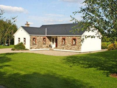 Photo for holiday home, Portroe  in Tipperary - 6 persons, 3 bedrooms