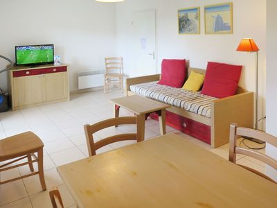 Photo for Beautiful apartment for 8 guests with pool, WIFI, TV, pets allowed and parking