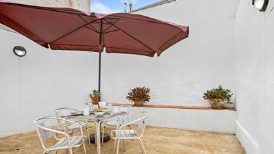 Photo for 2 bedroom Apartment, sleeps 8 with WiFi and Walk to Beach & Shops