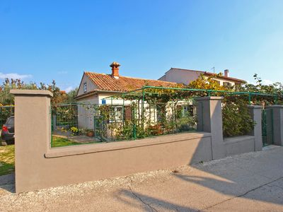 Photo for Holiday house Pula for 2 - 4 persons with 1 bedroom - Holiday apartment