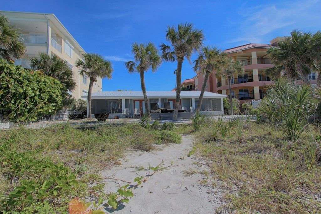 Oceanfront Cottages In Indian Rocks Beach 3 Palms