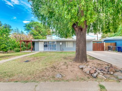 Photo for 5 BR Family home-base in Tempe Suburb