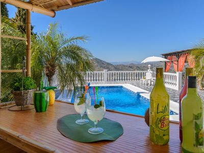 Photo for Holiday villa with Balinese bed and sea views in Torrox