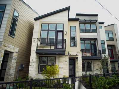 Photo for JUST LISTED! Brand New 4 Bed House Downtown San Antonio - Walk To The Pearl!