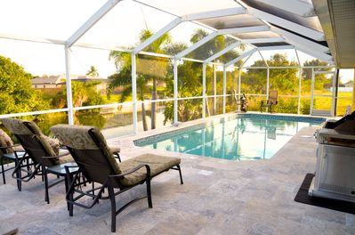 GREAT LOCATION! QUICK ACCESS TO SHOPPING, RESTAURANTS AND THE FRESHWATER  LAKES - Cape Coral