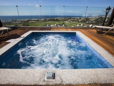 Diamond 17. Luxury private 3 bedroom suite with private hot tub jacuzzi. Paphos.