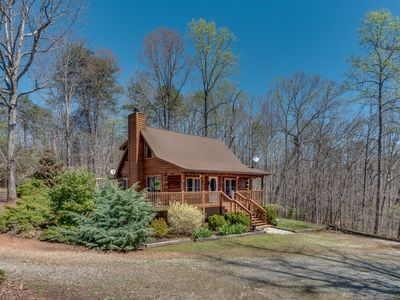 Photo for AWESOME Pet Friendly Cabin - 7 Minutes To Tryon International Equestrian Center