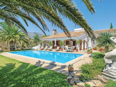 Photo for 3 bedroom Villa, sleeps 6 in La Cala De Mijas with Pool, Air Con and WiFi