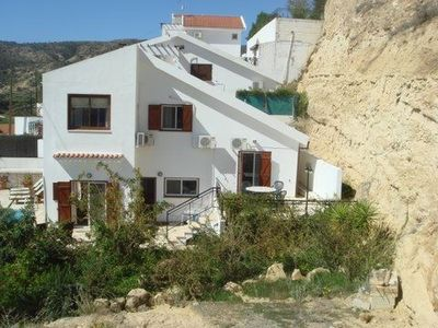 Photo for Family holiday 4 bedroom Villa within walking distance of sea