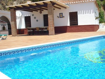 Photo for Holiday home with private pool near Nerja, with a panoramic sea view