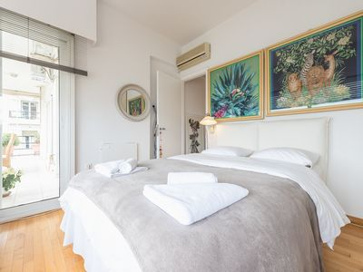 Photo for Luxury Glass-Walled apt for 4  in Kalithea