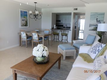 Beach front Condo with beautiful ocean view