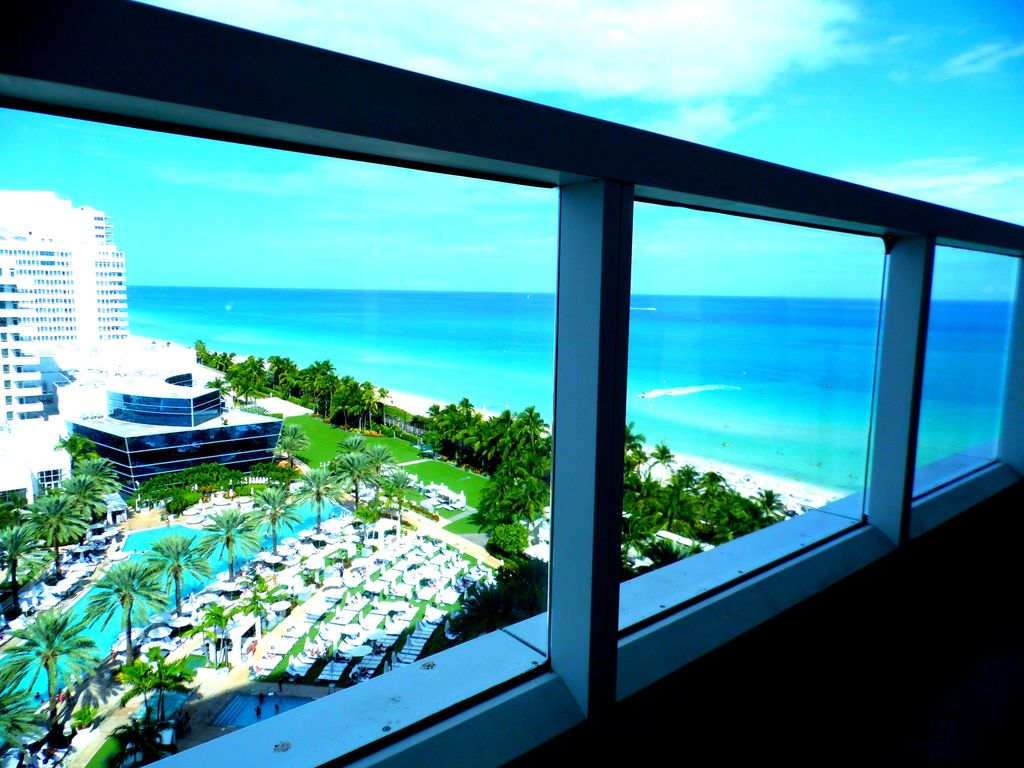 studio at sorrento tower at fontainebleau hotel in miami