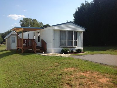 Photo for Cozy, quiet retreat near Blue Ridge Parkway. 2 bed, 1 bath,  Close to Downtown!