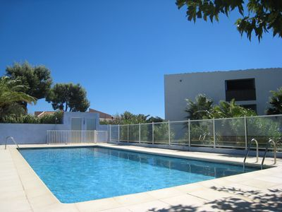 Photo for T2 - 53 m2 - 4 sleepings - parking - swimming pool - internet - clim. - terrace