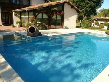 Search 42 holiday lettings