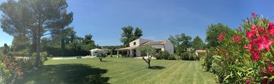 "Photo for Villa 220m2, land 3000m2, 5 ""village on foot, 4km Saint-Rémy-de-Provence"