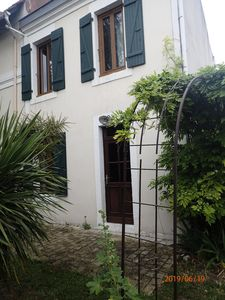 Photo for House 20 minutes walk from the old Port La Rochelle - 2 Room House 4 persons